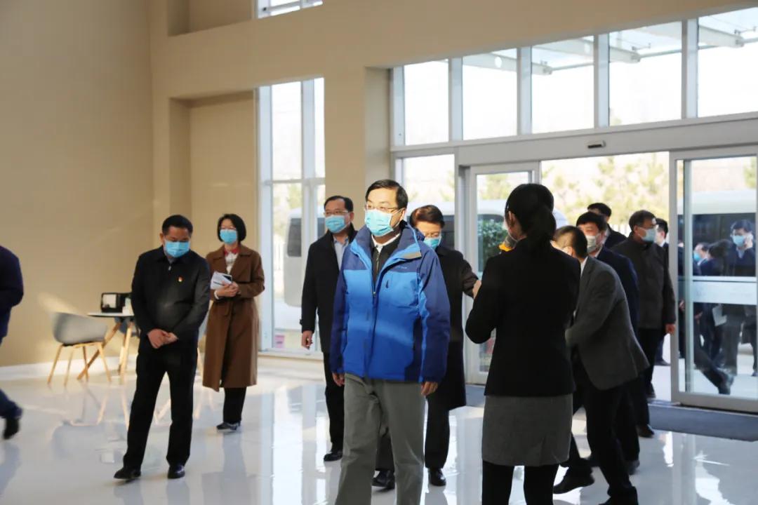山东省副省长刘强等领导一行来到山东英科环保再生资源股份有限公司二期展厅进行了实地调研