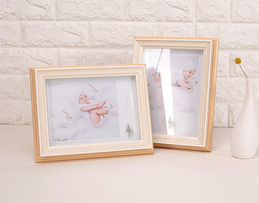 两个儿童主题的相框摆台展示图