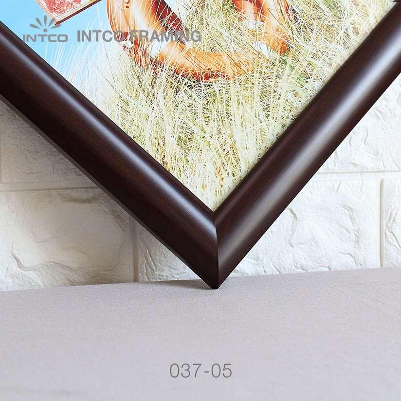 037-05 PS art frame moulding detail