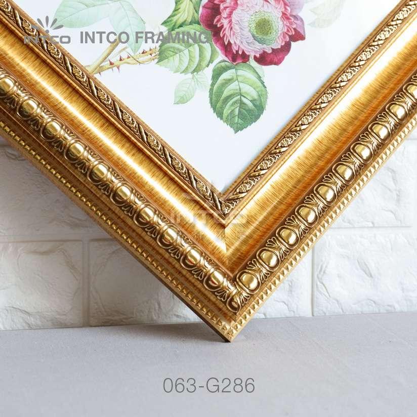 063-G286 PS picture frame moulding corner sample