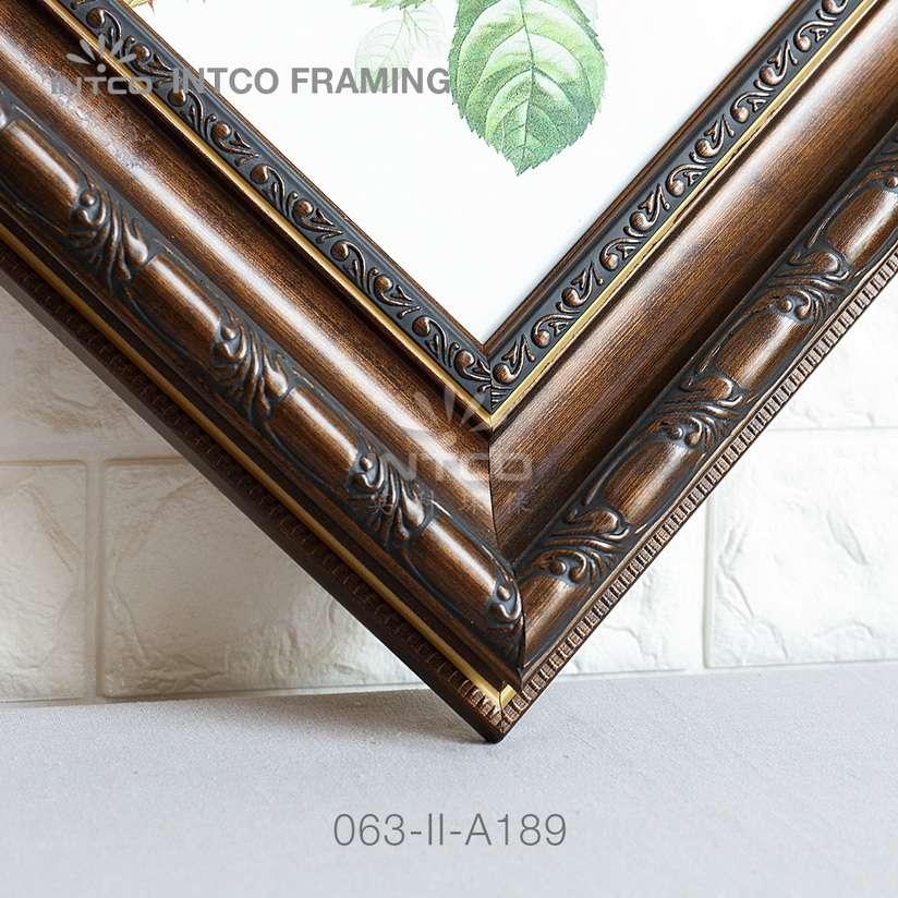 063-II-A189 PS picture frame moulding corner sample