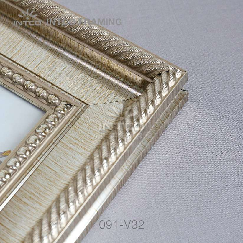 091-V32PS picture frame mouldings details