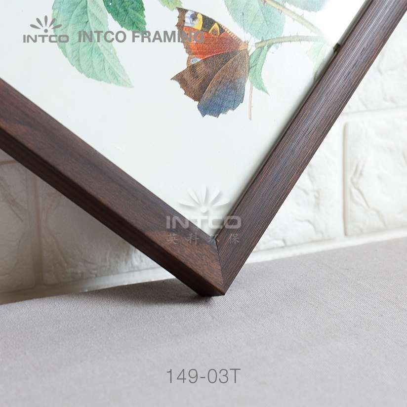 149-03T PS picture frame moulding detail
