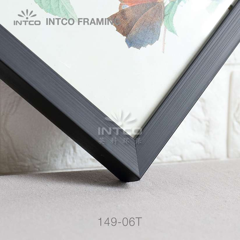 149-06T PS picture frame moulding detail
