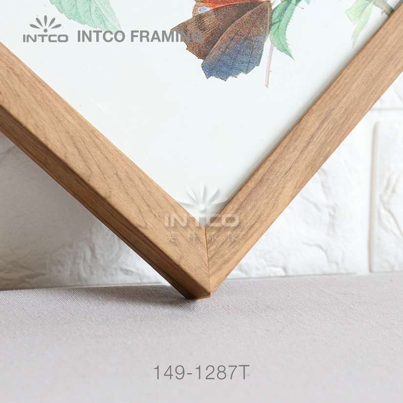 149-1287T PS picture frame moulding detail