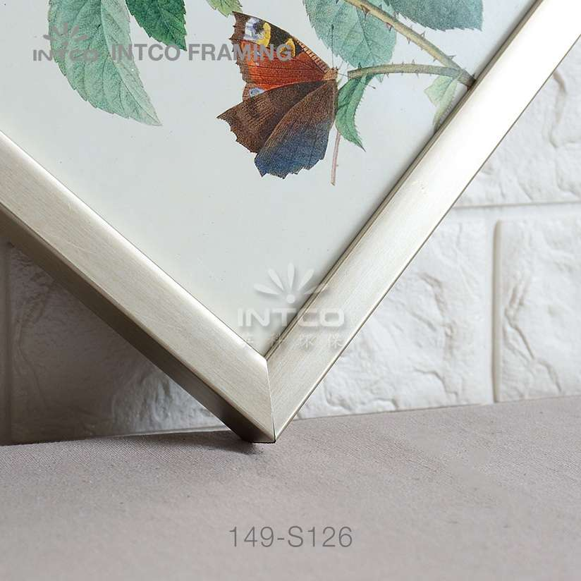 149-S126 PS picture frame moulding detail