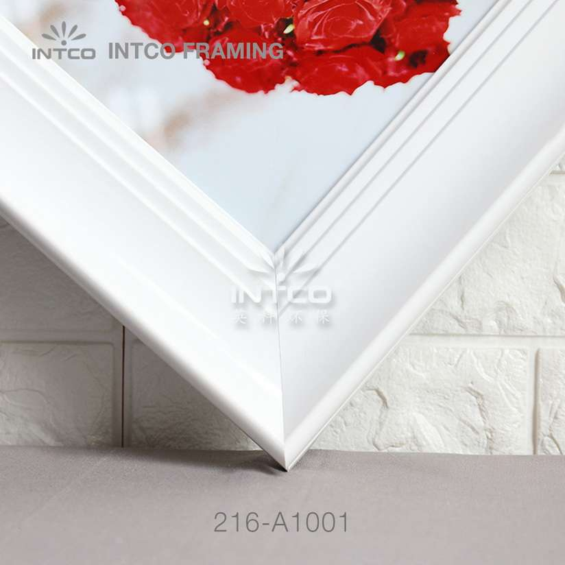 216-A1001 PS picture frame moulding detail