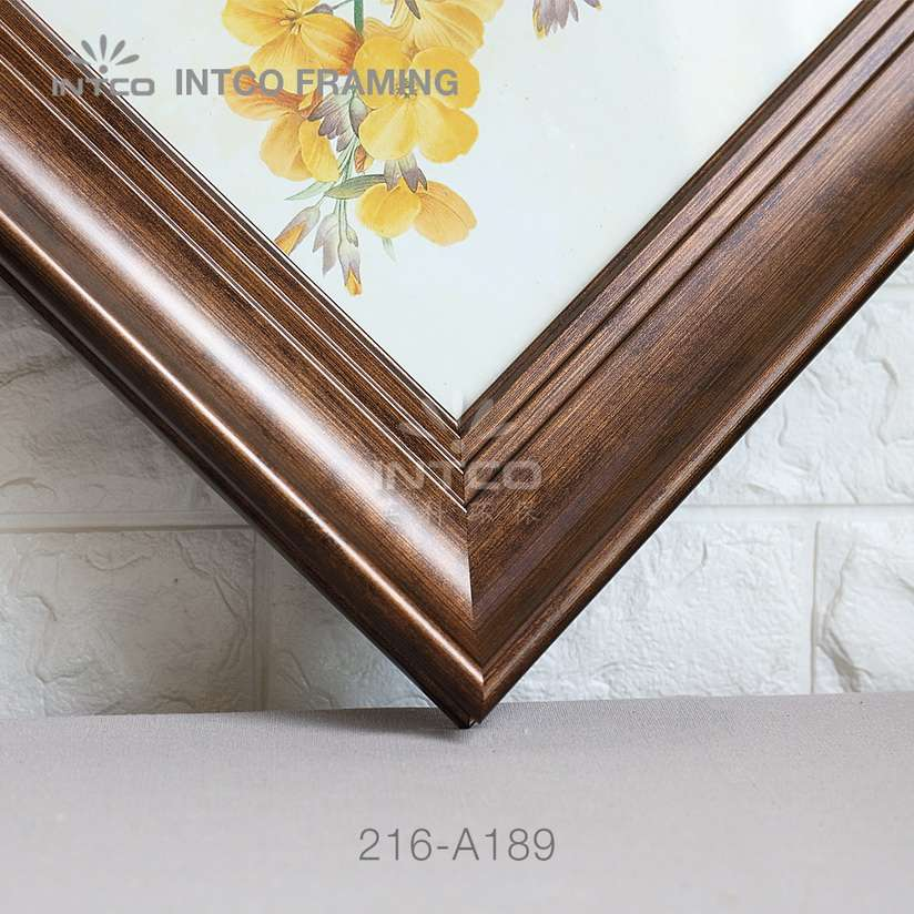 216-A189 PS picture frame moulding detail