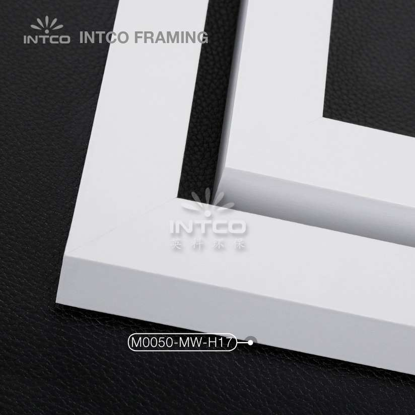 #M0050 white MDF picture frame mouldings in lengths