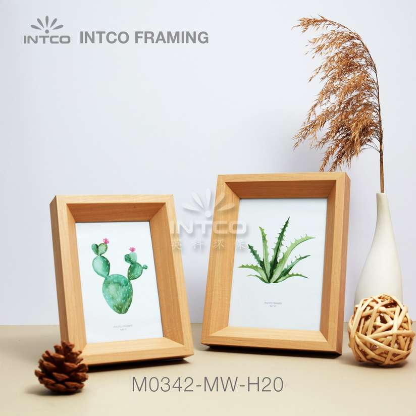Application of M0342-MW-H20 mouldings for tabletop photo frame making