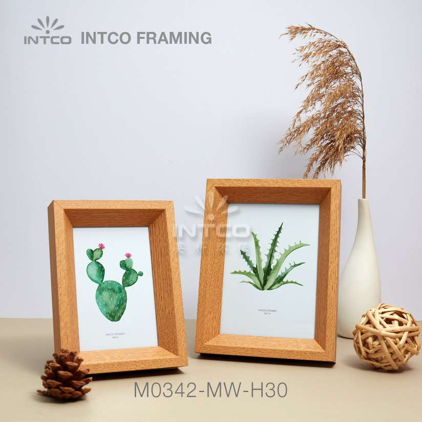Application of M0342-MW-H30 mouldings for tabletop photo frame making