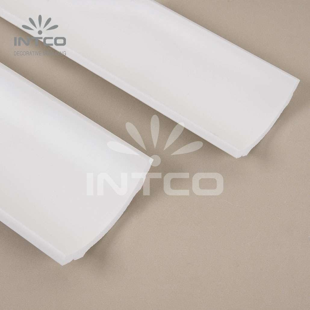 white crown mouldings